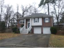 View 2409 Hampton Estates Dr Sw Marietta GA