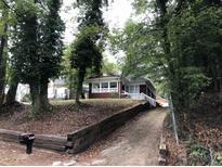 View 2073 Cascade Rd Sw Atlanta GA