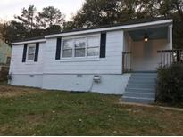 View 2121 Ivydale St East Point GA