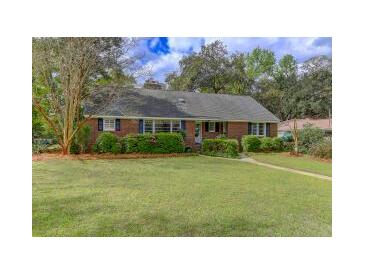 Photo one of 325 Hobcaw Dr Mount Pleasant SC 29464 | MLS 21008013