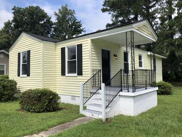 Photo one of 2660 Lawrence St North Charleston SC 29405 | MLS 21019206