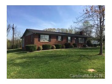 Photo one of 105 Murray Ln Mooresville NC 28117 | MLS 3477530