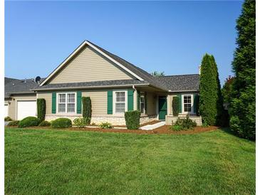 Photo one of 823 Wynnshire Dr # B Hickory NC 28601   MLS 3544765
