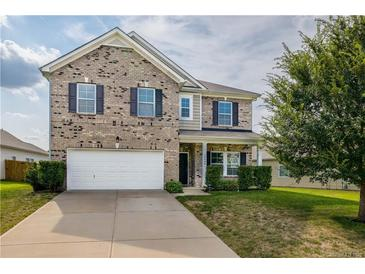Photo one of 10404 Kempsford Dr Charlotte NC 28262 | MLS 3652576