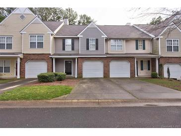 Photo one of 4585 Antelope Ln Charlotte NC 28269 | MLS 3696072