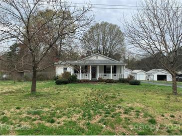 Photo one of 821 Oak St Charlotte NC 28214 | MLS 3719300