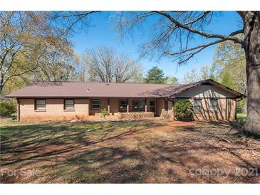 Photo one of 7123 Cedarbrook Dr Charlotte NC 28215 | MLS 3719368