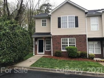 Photo one of 4334 Yoruk Forest Ln Charlotte NC 28211 | MLS 3722116