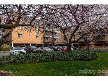 Photo one of 1323 Queens Rd # 312 Charlotte NC 28207 | MLS 3722891