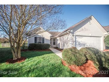 Photo one of 7825 Geoffrey Ct Charlotte NC 28213 | MLS 3724251