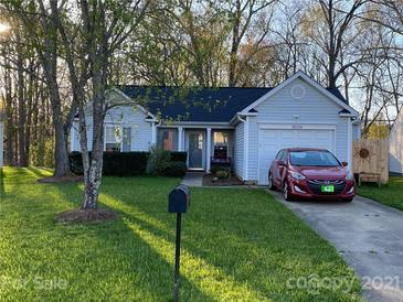 Photo one of 11006 White Stag Dr Charlotte NC 28269   MLS 3725307