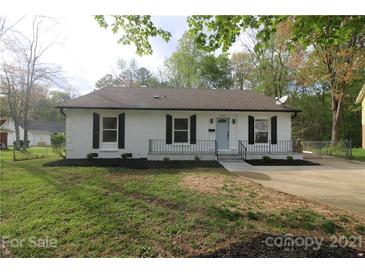Photo one of 6615 Farmway Pl Charlotte NC 28215 | MLS 3726652