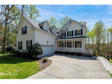 Photo one of 12418 Backwater Dr Charlotte NC 28214 | MLS 3726810
