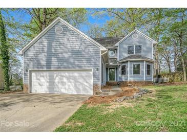 Photo one of 10004 Holly Tree Dr Charlotte NC 28215 | MLS 3727585
