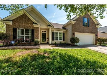 Photo one of 10218 Little Whiteoak Rd Charlotte NC 28215 | MLS 3732783