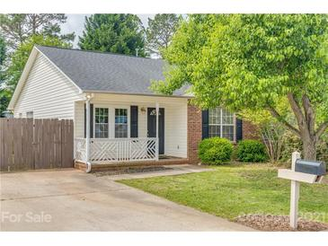 Photo one of 310 Tylers Way # 6 Fort Mill SC 29715 | MLS 3734567