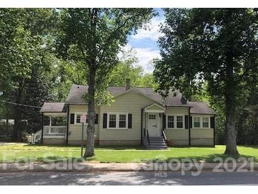 Photo one of 464 10Th Avenue Ne Dr Hickory NC 28601   MLS 3736398