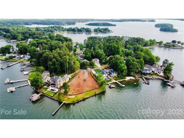 Photo one of 21213 Island Forest Dr Cornelius NC 28031 | MLS 3747609