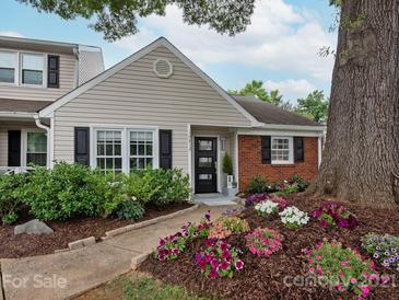 Photo one of 10812 Winterbourne Ct Charlotte NC 28277 | MLS 3747860