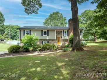 Photo one of 2210 Deerwood Nw Pl Concord NC 28027   MLS 3749755