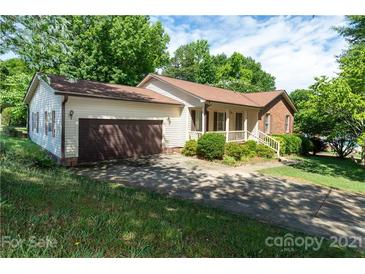 Photo one of 1205 Roundtree Cir Rock Hill SC 29732 | MLS 3750927