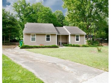 Photo one of 6500 Oak Hollow Dr Charlotte NC 28227 | MLS 3762102