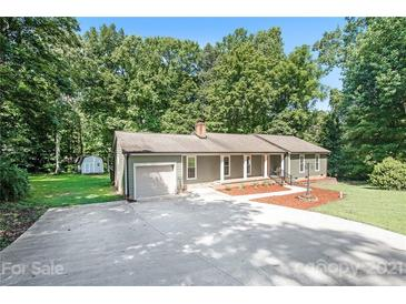 Photo one of 11515 Gelding Dr Charlotte NC 28215 | MLS 3762143
