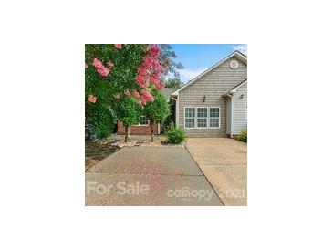 Photo one of 417 Danielle Way Fort Mill SC 29715   MLS 3764068