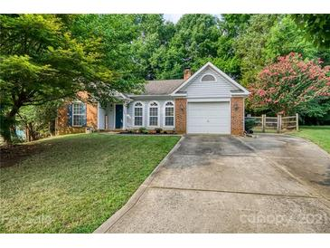 Photo one of 11605 Long Forest Dr Charlotte NC 28269 | MLS 3767176