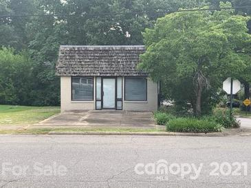 Photo one of 202 S Oakwood Dr Statesville NC 28677   MLS 3768063