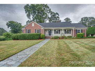 Photo one of 300 W 11Th Ave Gastonia NC 28052 | MLS 3775134