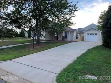 Photo one of 112 Kingsgate Ct Statesville NC 28625 | MLS 3778834
