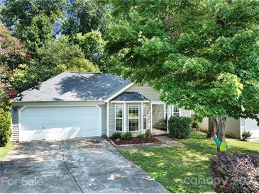 Photo one of 9819 Veronica Dr Charlotte NC 28215 | MLS 3778884