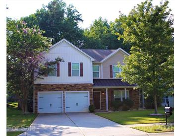 Photo one of 9931 Seven Oaks Dr Charlotte NC 28215 | MLS 3779273
