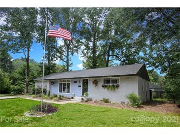 Photo one of 3815 Tipperary Pl Charlotte NC 28215 | MLS 3780644
