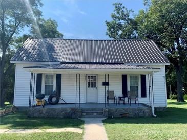 Photo one of 622 Grier St Lincolnton NC 28092   MLS 3783338