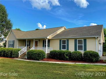 Photo one of 116 Stonefield Dr # 67 Statesville NC 28677 | MLS 3784417