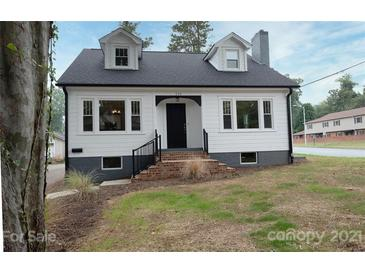 Photo one of 131 8Th Ne Ave Hickory NC 28601 | MLS 3792299