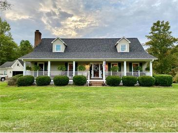 Photo one of 2628 Queens Dr Lincolnton NC 28092 | MLS 3793298