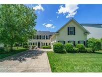 View 6714 Olmsford Dr Huntersville NC