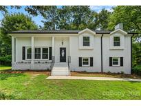 View 7001 Abbotswood Dr Charlotte NC