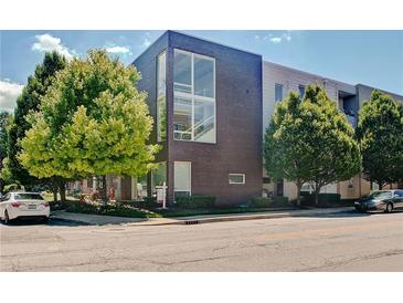 Photo one of 932 N Broadway St # 8 Indianapolis IN 46202 | MLS 21728109