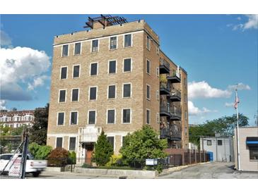 Photo one of 825 N Delaware St # 1C Indianapolis IN 46204 | MLS 21732810