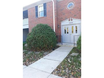 Photo one of 1636 Wellesley Ct # 1 Indianapolis IN 46219 | MLS 21751012