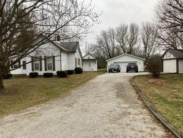 Photo one of 1327 W Stones Crossing Rd Greenwood IN 46143 | MLS 21758497