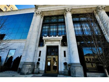 Photo one of 429 N Pennsylvania St # 605 Indianapolis IN 46204 | MLS 21764024