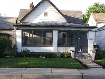 Photo one of 1024 Elm St Indianapolis IN 46203 | MLS 21765938