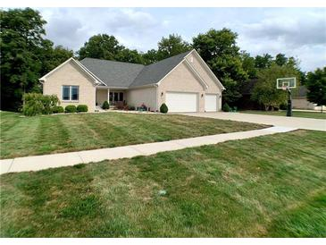Photo one of 5979 S County Road 700 Plainfield IN 46168 | MLS 21765952