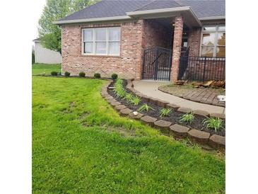 Photo one of 1635 Fox Dr Martinsville IN 46151 | MLS 21767930