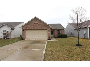 Photo one of 1418 Bluestem Dr Greenwood IN 46143 | MLS 21769236